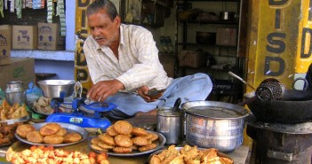 travel blog, travel tips, food and travel, street food