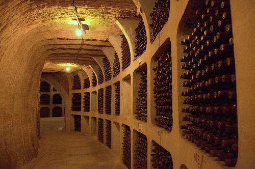 Milestii Mici, wine cellar, moldova wine, underground wine cellar