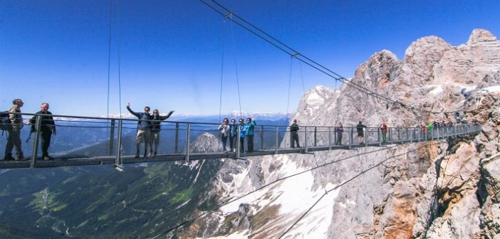 Dachstein Sky Walk, Ice Palace and suspension bridge – Austria's tourist attraction for adrenaline junkies