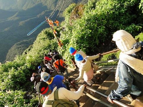 Adams Peak Sri Lanka, Sri pada Sri Lanka