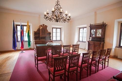Polhov gradec mansion, day trips from Ljubljana, Polhov Gradec