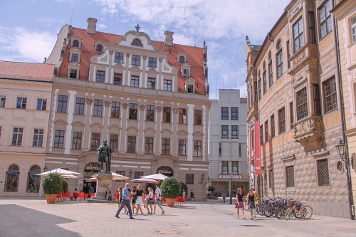 Best tourist attractions in Augsburg in one day