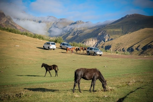 Georgia overland, Georgia by car, Kazbegi Georgia