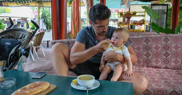 baby traveling, traveling with a baby, baby food while traveling