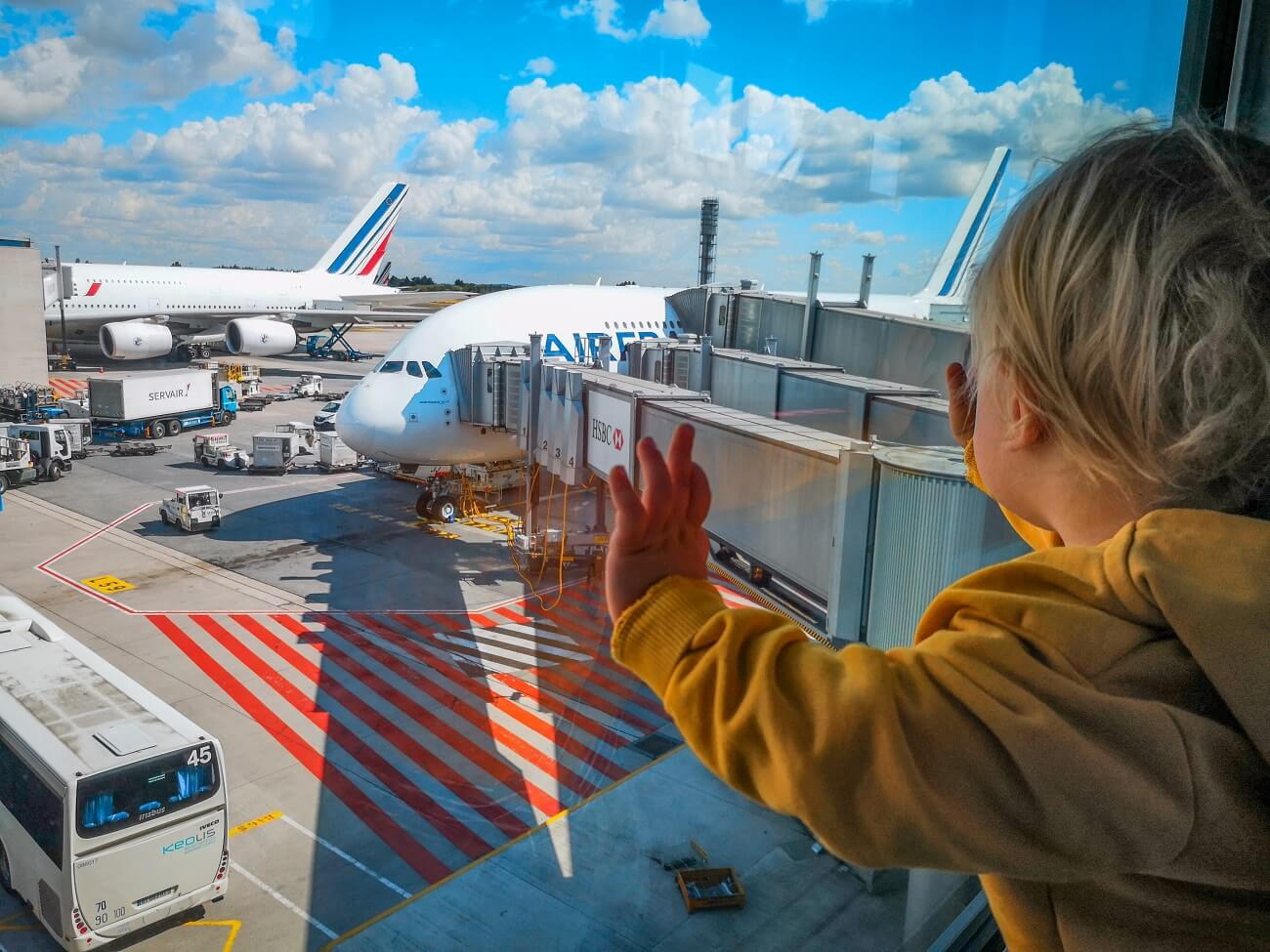 kids first time on pane, child's first flight, flying with children